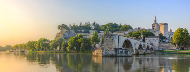 Pont d'Avignon - By Chiugoran - Own work, CC BY-SA 3.0
