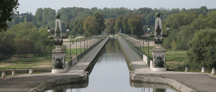 Briare aqueduct - By Michel CLAIR - Own work, CC BY-SA 2.5